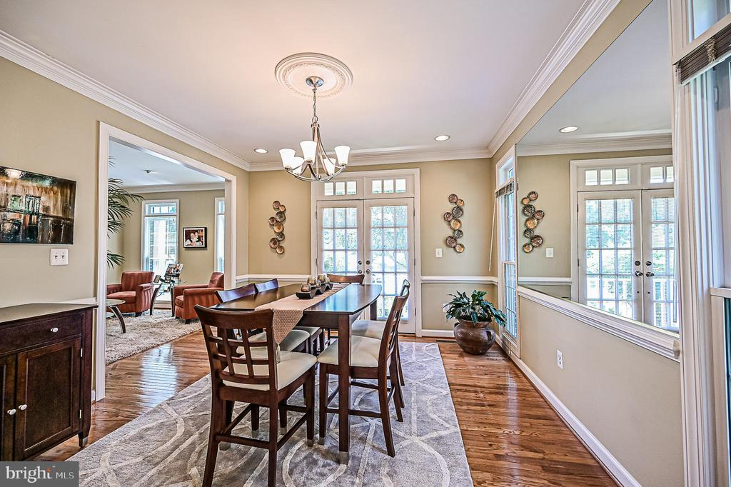 French Doors to Private Front Porch off Dining RM - 26124 TALAMORE DR, CHANTILLY