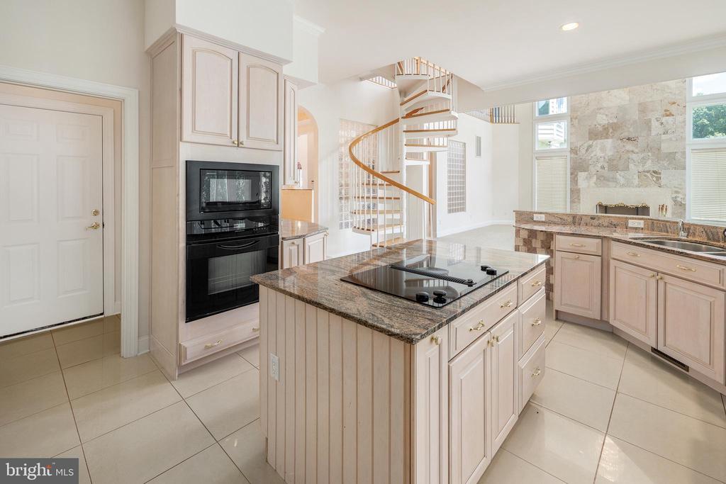 Kitchen with Staircase - 3714 FAIRWAYS CT, FREDERICKSBURG