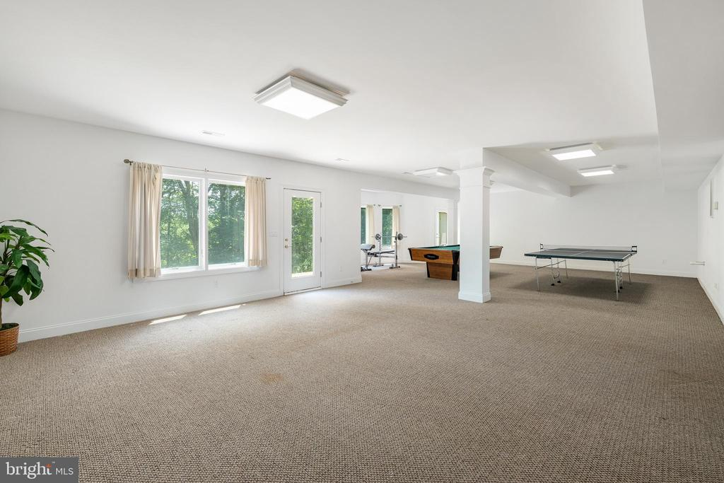 Lower Level Family Room with Game Area - 3714 FAIRWAYS CT, FREDERICKSBURG