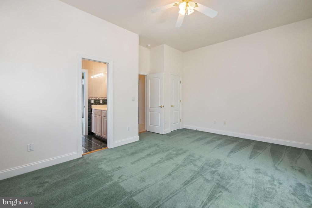 Main Level Bedroom #2 - 3714 FAIRWAYS CT, FREDERICKSBURG