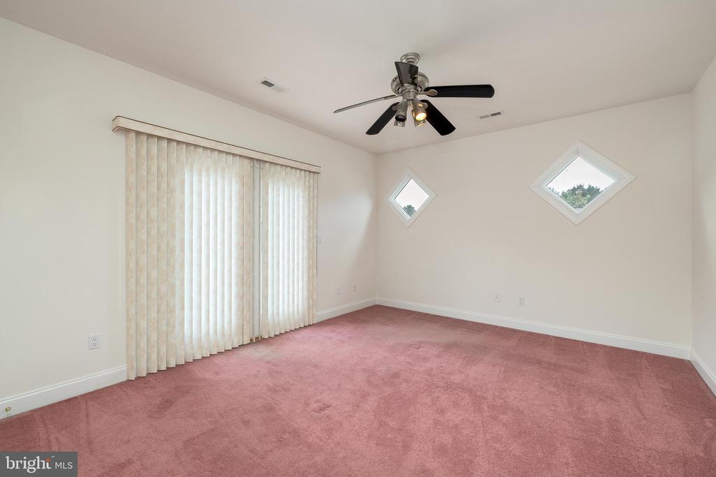 Upper Level Bedroom #5 - 3714 FAIRWAYS CT, FREDERICKSBURG