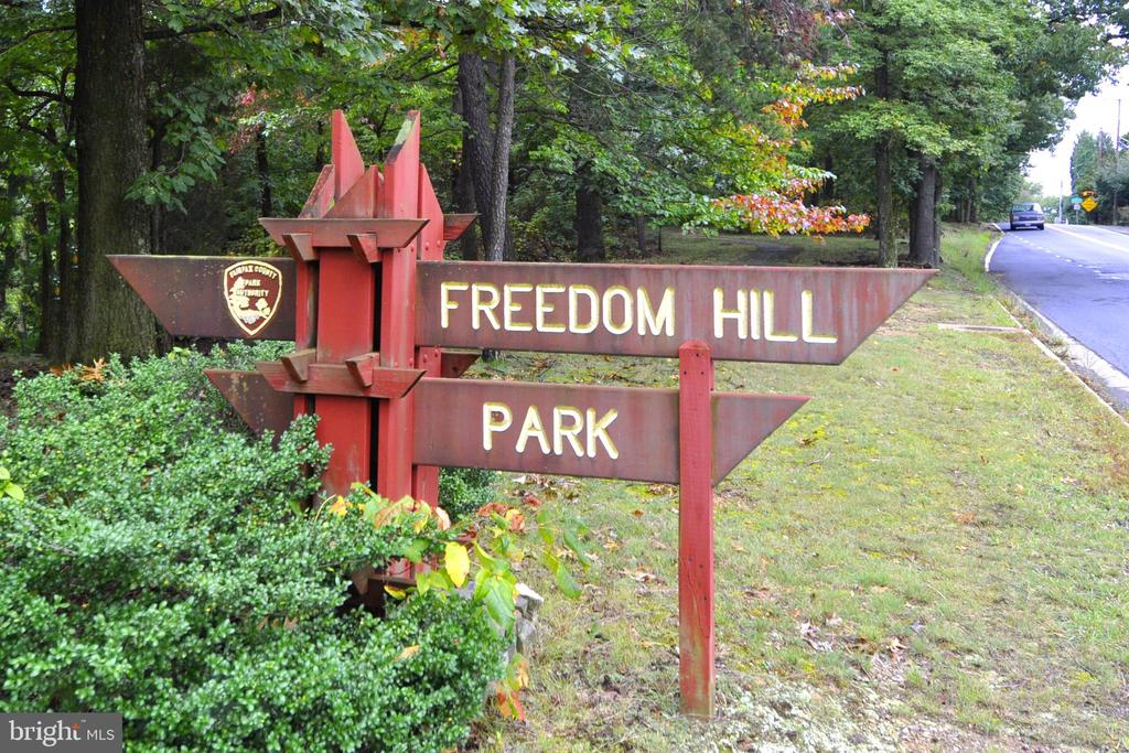 Freedom Hill Park - 1504 LINCOLN WAY #404, MCLEAN