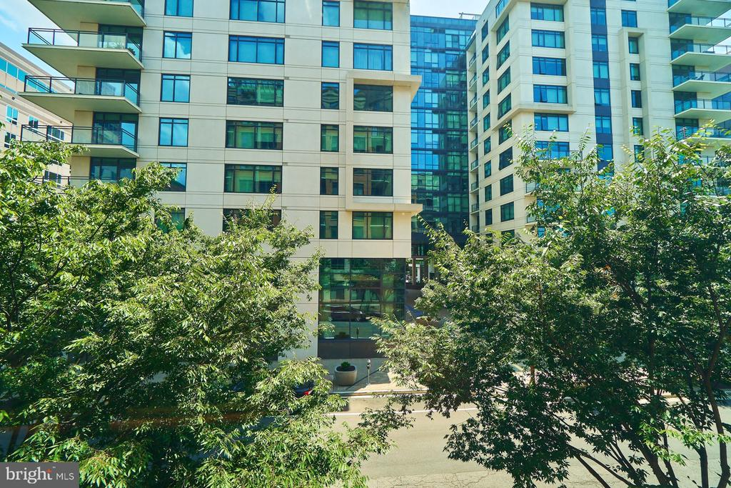 View to the surrounding residential building - 3625 10TH ST N #205, ARLINGTON