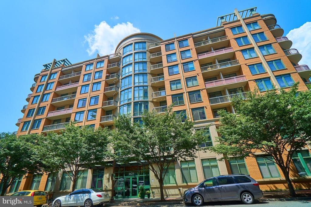 - 3625 10TH ST N #205, ARLINGTON