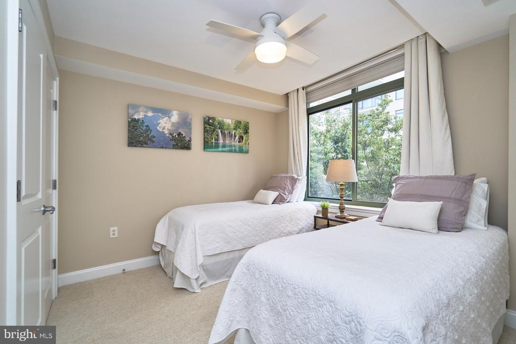 Second bedroom with a private bathroom - 3625 10TH ST N #205, ARLINGTON