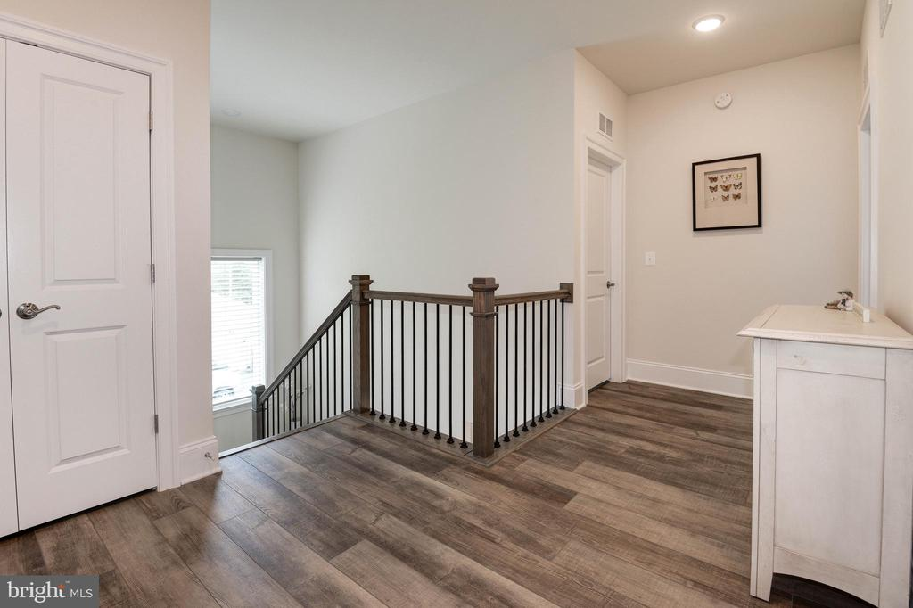 Upper Level Hallway - 1057 MARMION DR, HERNDON