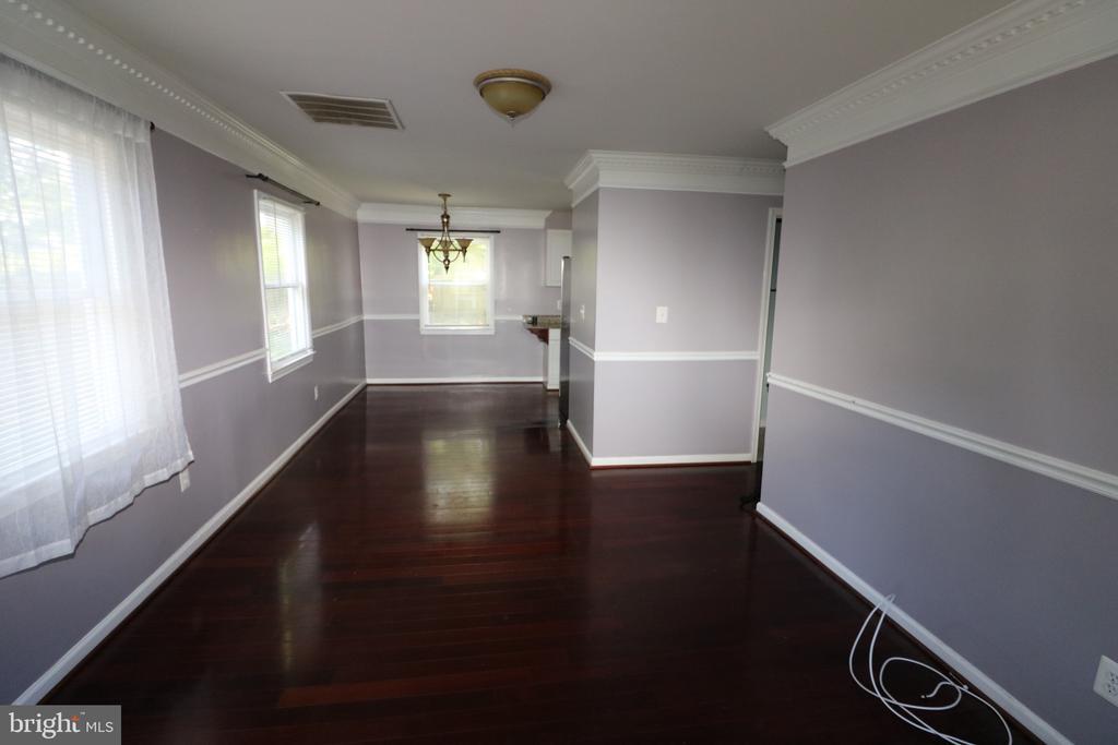 Living/Dining Room - 7525 MAGARITY RD, FALLS CHURCH