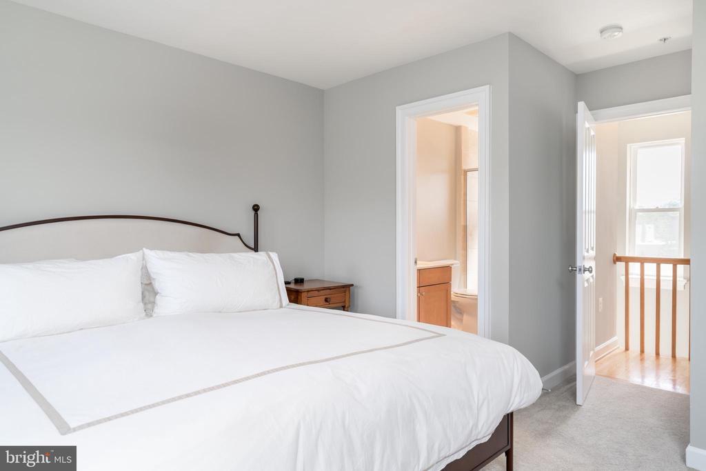 Master Bedroom - 600 KENTUCKY AVE SE #B, WASHINGTON