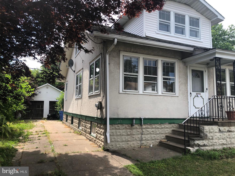 Single Family Homes 为 销售 在 Croydon, 宾夕法尼亚州 19021 美国