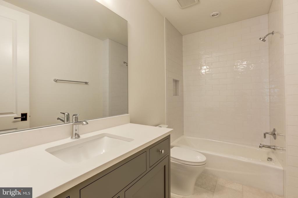 Sixth Bath - 3010 UNIVERSITY TER NW, WASHINGTON