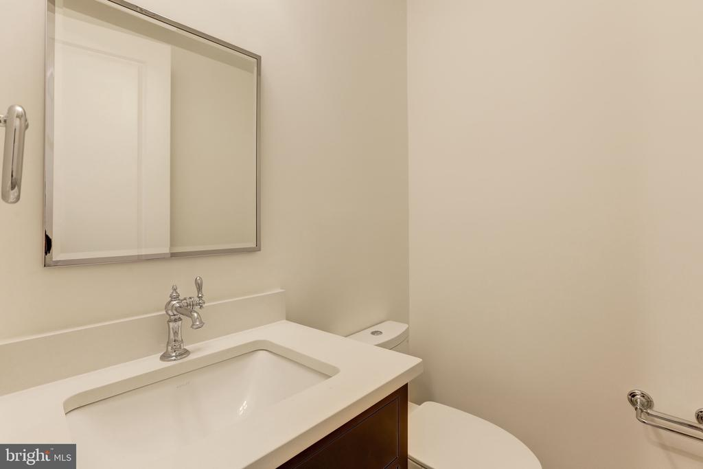 Second Powder Room - 3010 UNIVERSITY TER NW, WASHINGTON