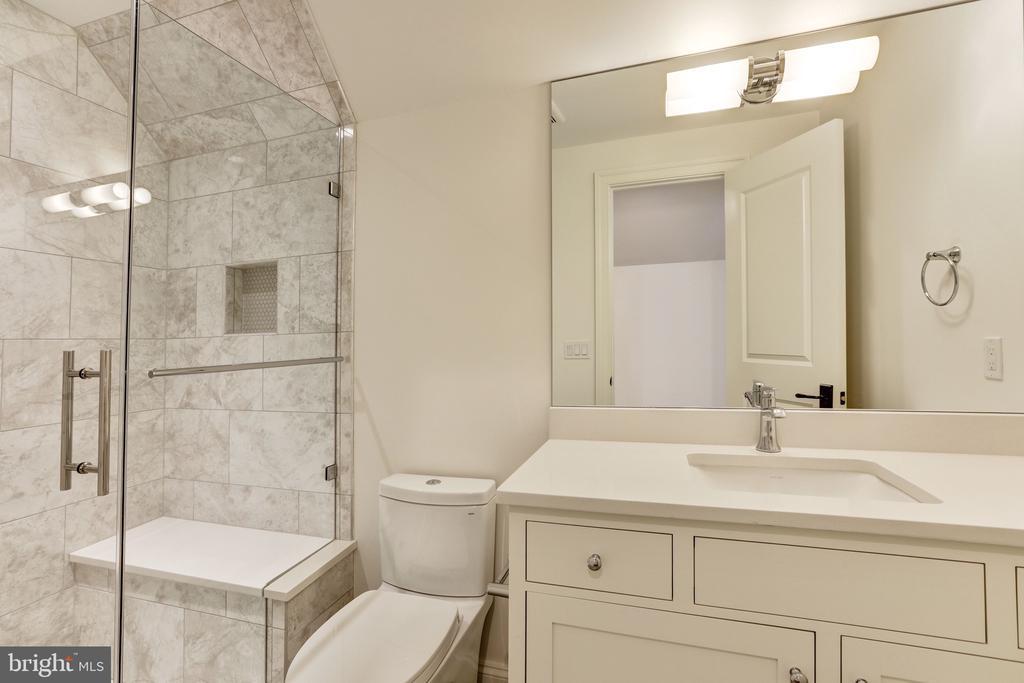 Fourth Bath - 3010 UNIVERSITY TER NW, WASHINGTON