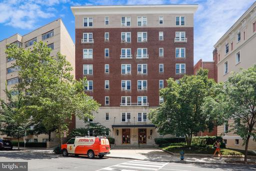 1954 COLUMBIA RD NW #304