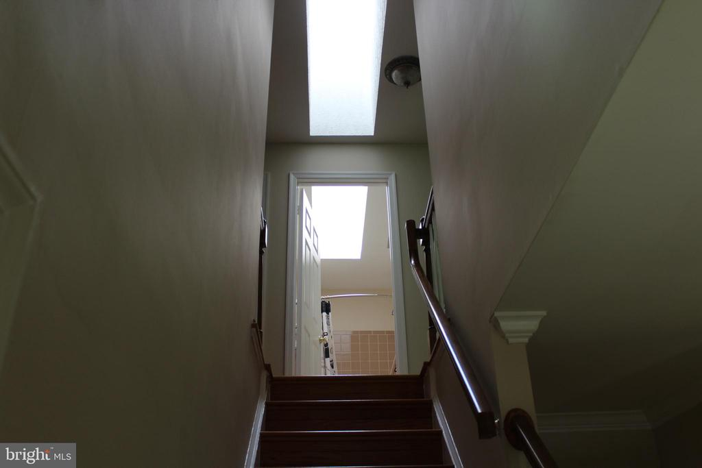 Stairs to some of the Bedrooms - 4800 N HILL DR, FAIRFAX