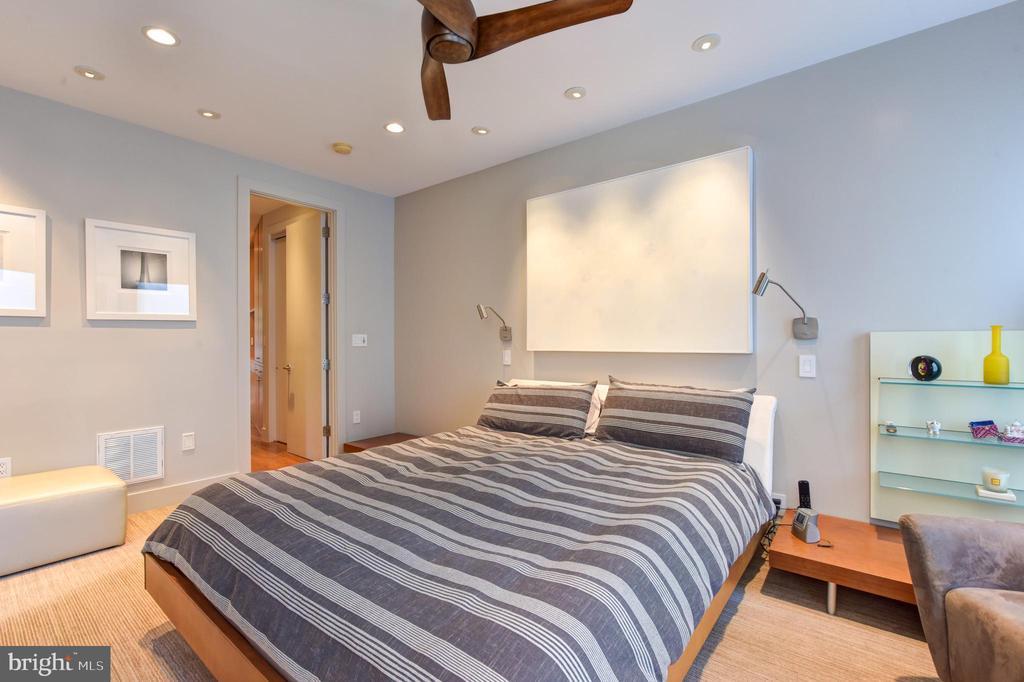 Owner's Bedroom Suite - 1744 WILLARD ST NW, WASHINGTON
