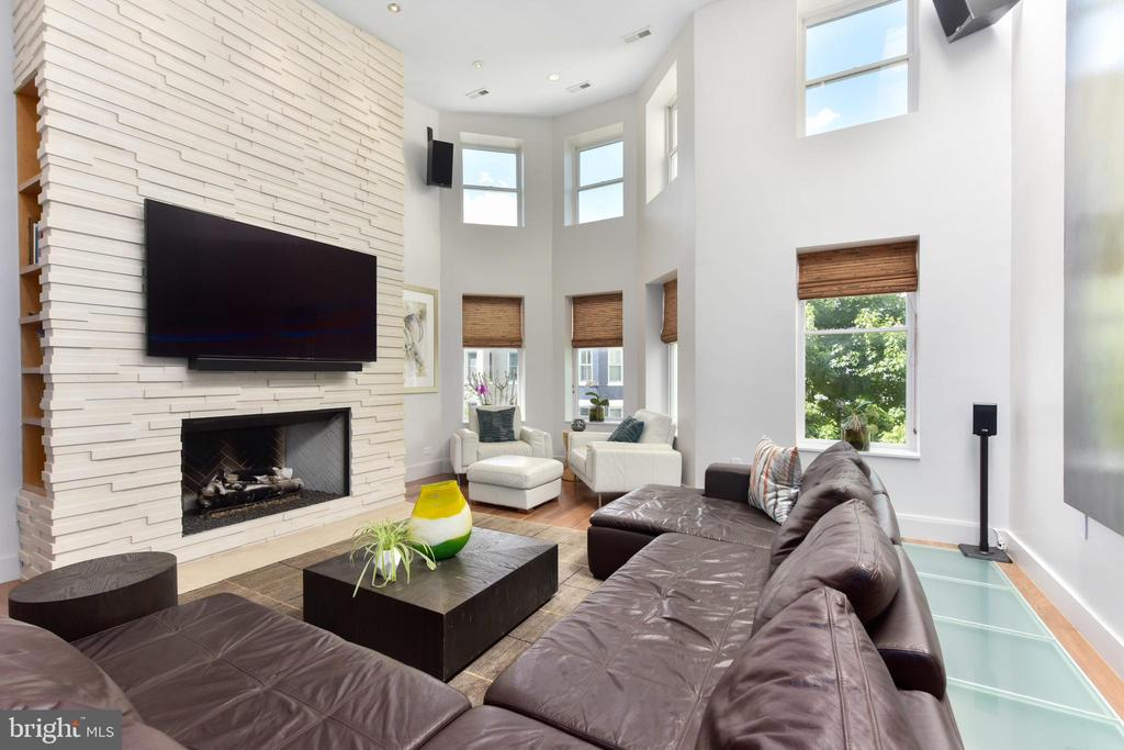 Double Height Living Room with Gas Fireplace - 1744 WILLARD ST NW, WASHINGTON