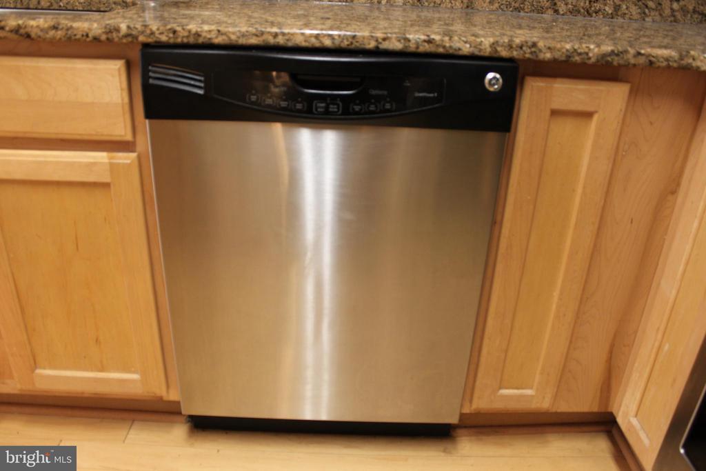 dishwasher - 7915 EASTERN AVE #509, SILVER SPRING