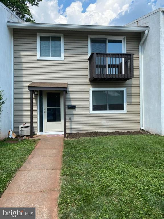 - 104 WOODGATE CT, STERLING