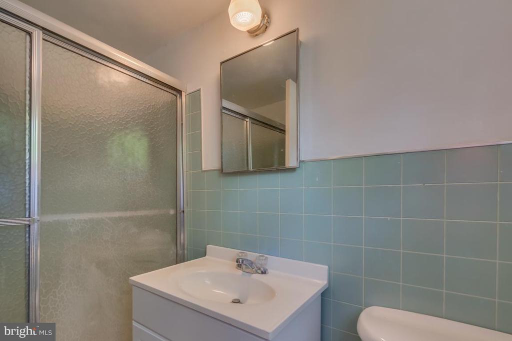 Bathroom - 2619 LYNN ALLEN RD, KING GEORGE