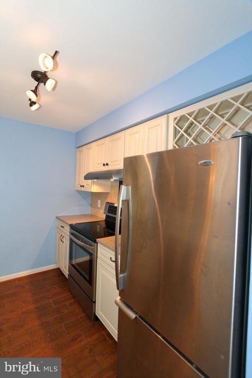 Beautiful Kitchen - 13619 ORCHARD DR, CLIFTON