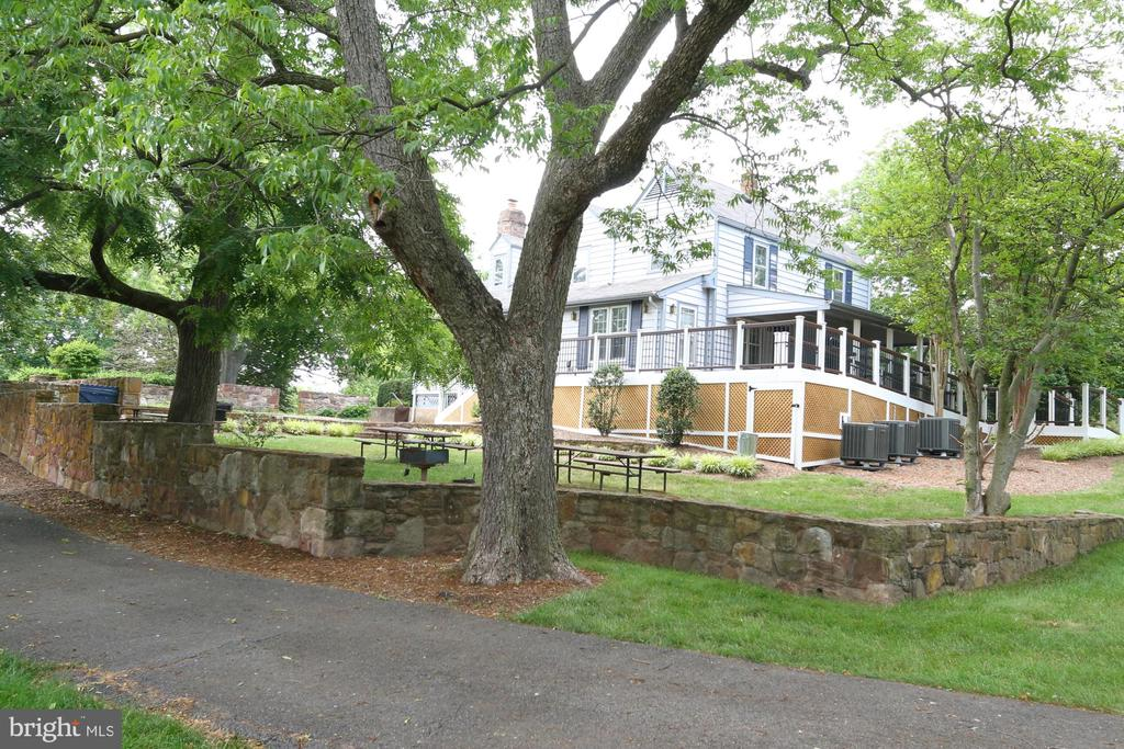 Picnic area at 400 year old Historic Clubhouse - 13619 ORCHARD DR, CLIFTON