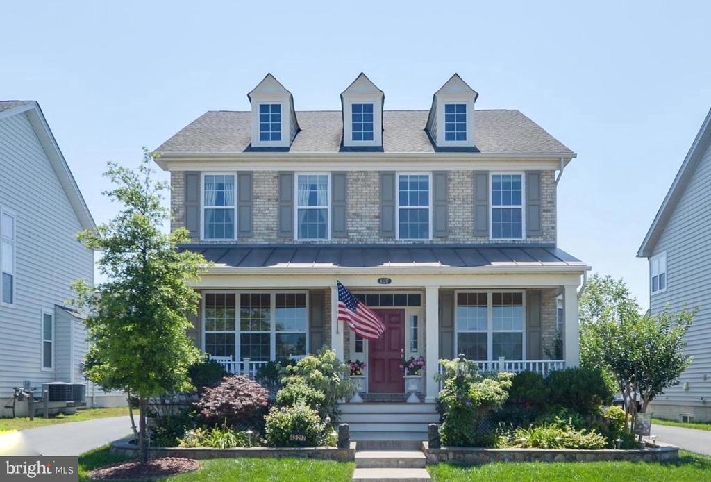 Welcome Home! - 43217 BARNSTEAD DR, ASHBURN