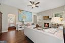 Living room with 10'ceilings - 520 ONEIDA PL NW, WASHINGTON