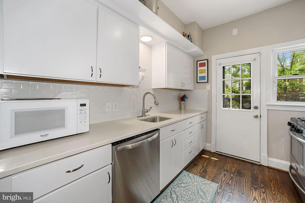 Renovated kitchen - 520 ONEIDA PL NW, WASHINGTON