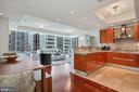 Expansive Open Floorplan - 1881 N NASH ST #703, ARLINGTON