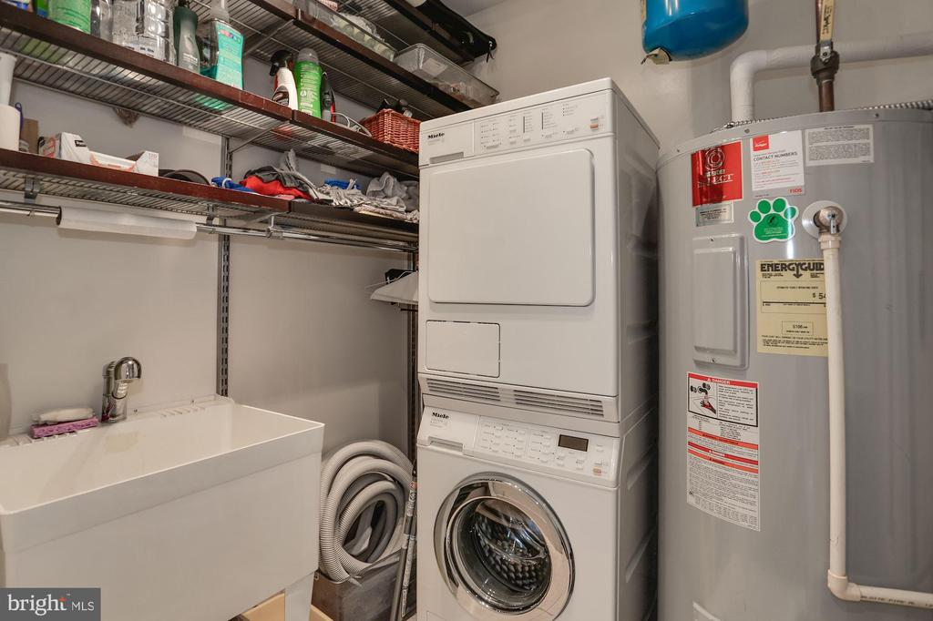 Laundry Room with Sink and Extra Storage - 1881 N NASH ST #703, ARLINGTON