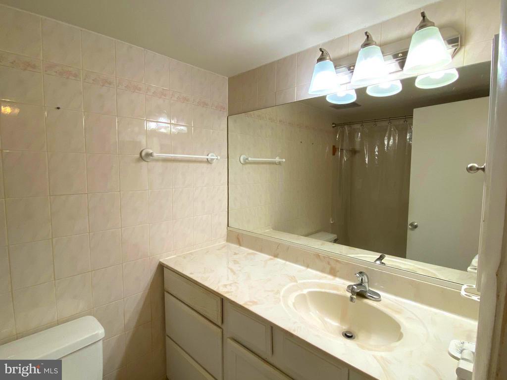 Hallway Bathroom - 2207 GREENERY LN #103-8, SILVER SPRING