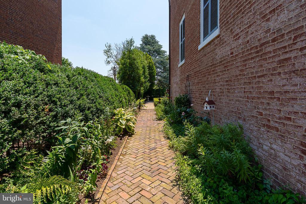 Brick pavers lead to backyard - 406 HANOVER ST, FREDERICKSBURG