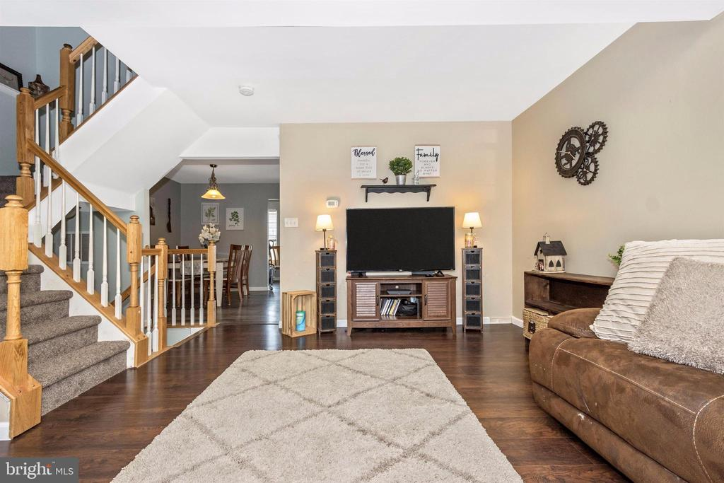 Large, open living area - 211 RIDGE VIEW LN, HANOVER