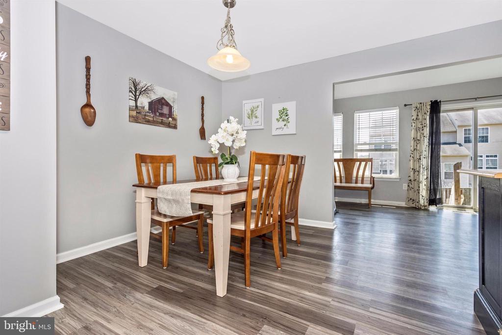 New laminate flooring in kitchen and bonus sunroom - 211 RIDGE VIEW LN, HANOVER