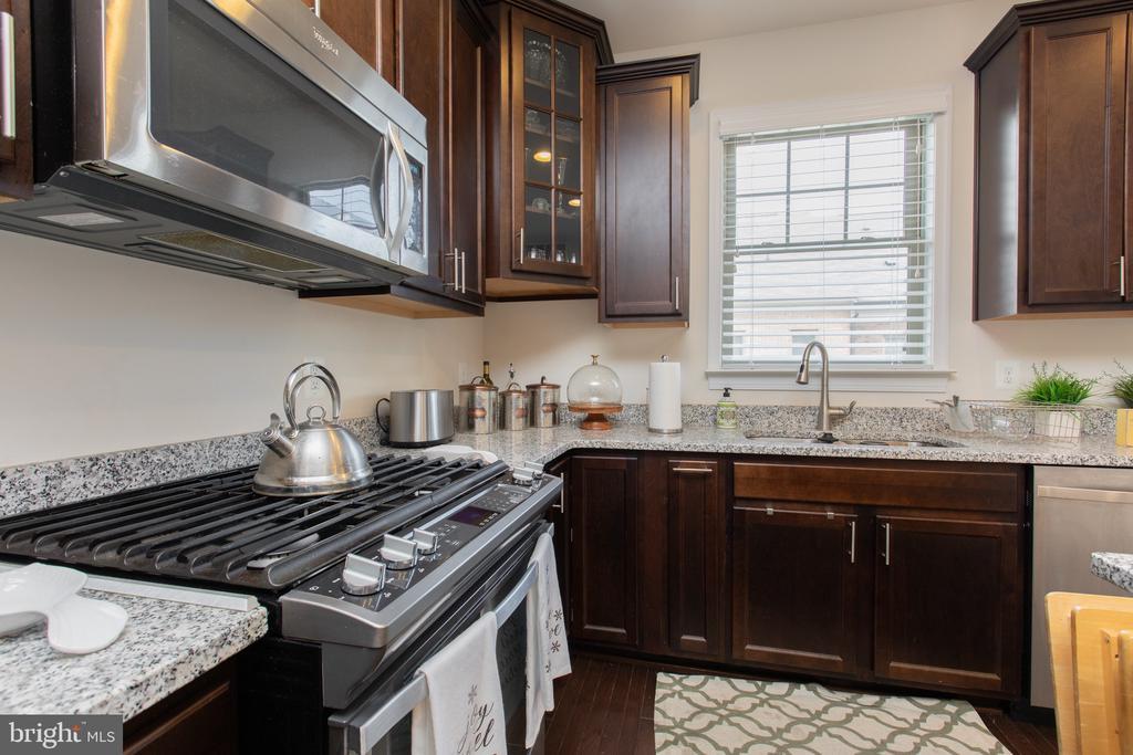 Kitchen ML - 162 CONCORD PL NE, WASHINGTON