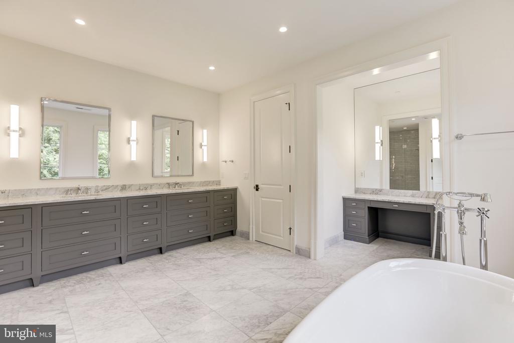 Master Bath - 3010 UNIVERSITY TER NW, WASHINGTON