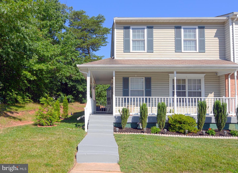 Single Family Homes pour l Vente à Glenarden, Maryland 20706 États-Unis