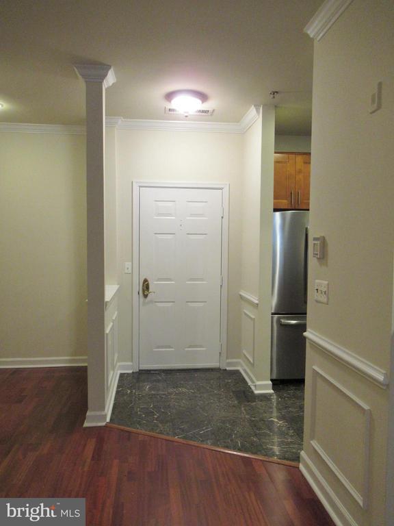 Foyer - 1320 N WAYNE ST #101, ARLINGTON