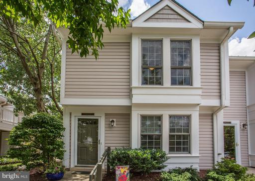 2433 S WALTER REED DR #18-1