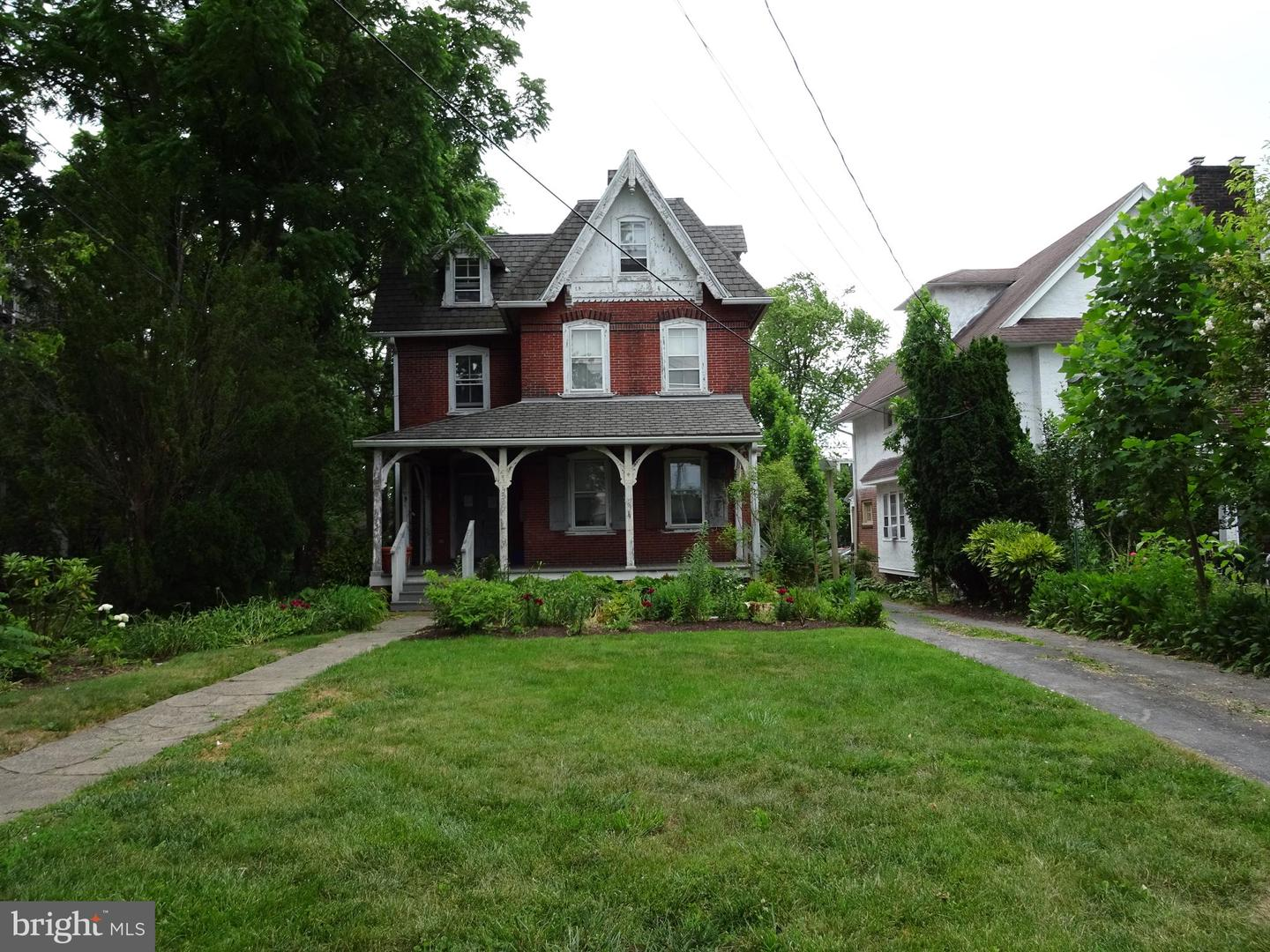 Triplex for Sale at Ardmore, Pennsylvania 19003 United States