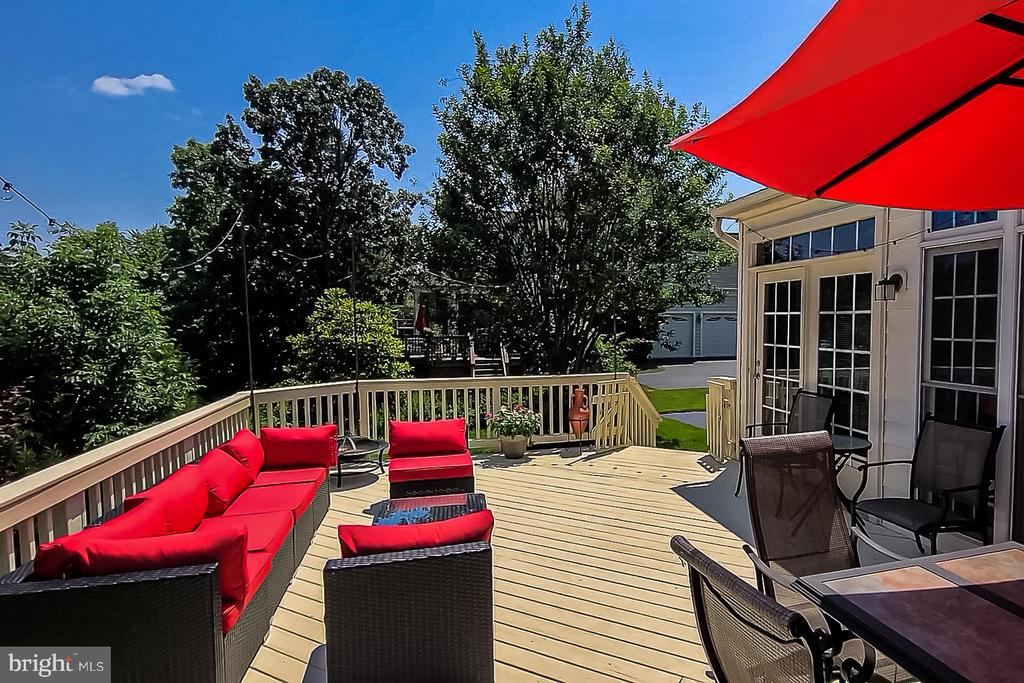 Large Deck - 26124 TALAMORE DR, CHANTILLY
