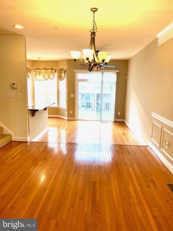 Main Level/Living Room - 3917 CHELSEA PARK LN #4, BURTONSVILLE