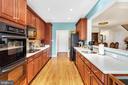 Beautiful Kitchen-Loads of Cabinet & Counter Space - 6541 BOX ELDER LOOP, GAINESVILLE