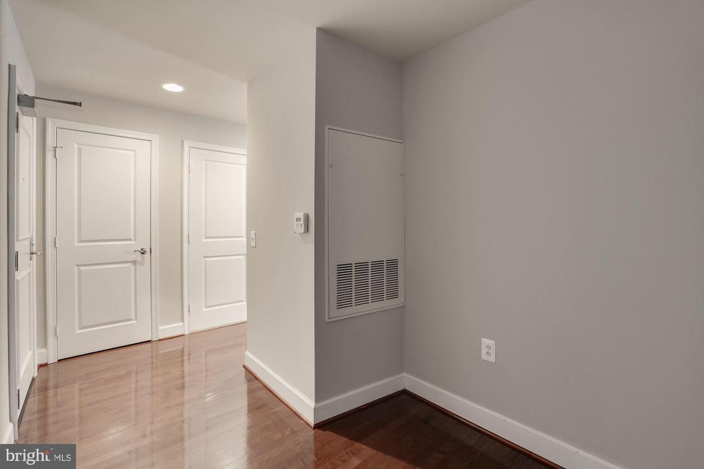 Large den/office/guest space - 3600 S GLEBE RD S #428W, ARLINGTON