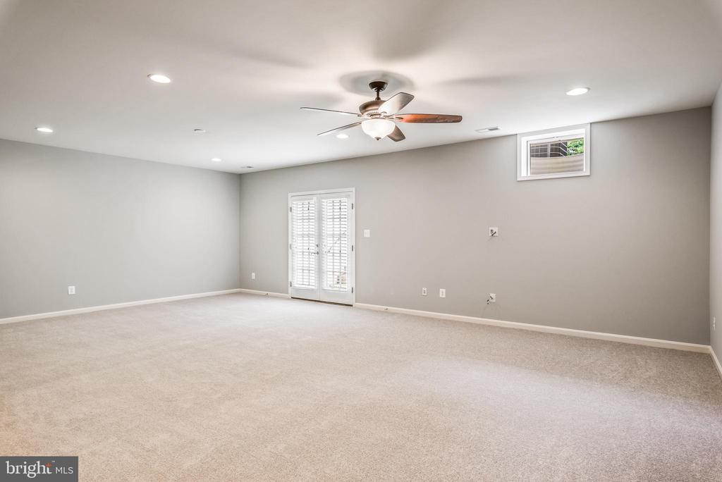 Additional Entertaining Basement Space - 43620 CARRADOC FARM TER, LEESBURG