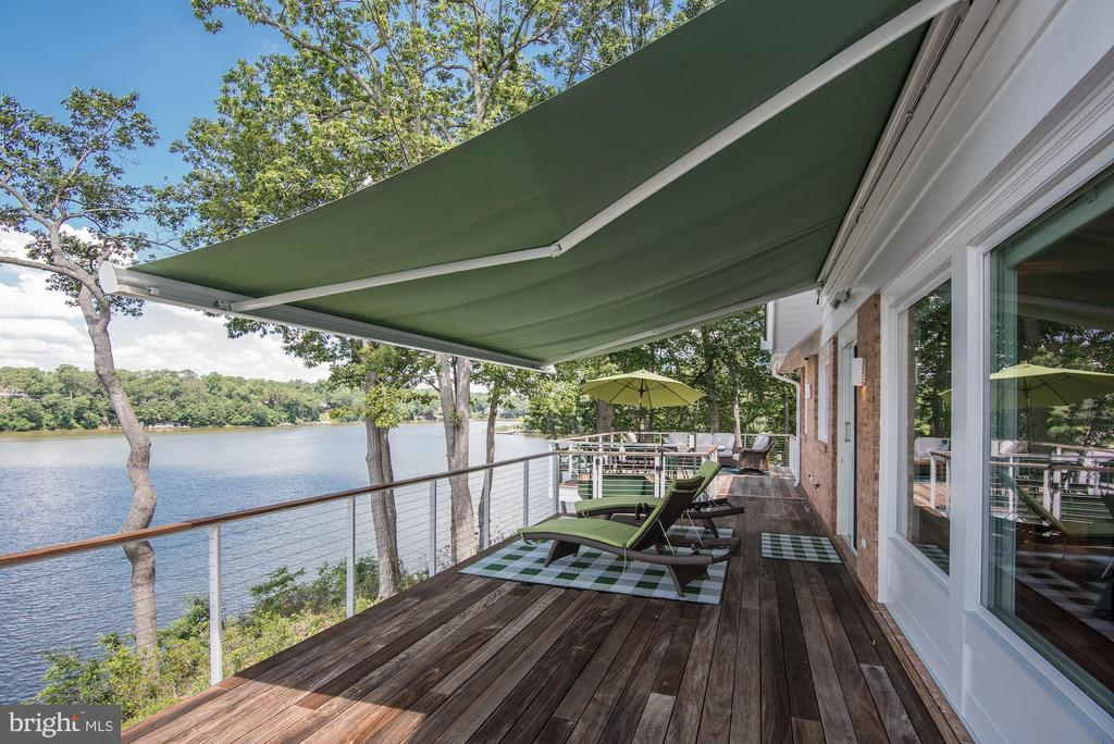 Wrap-around Deck and Remote Awnings - 2920 SOUTHWATER POINT DR, ANNAPOLIS