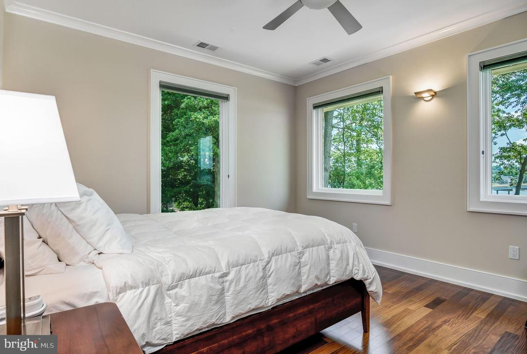 Secondary Bedroom Suite - 2920 SOUTHWATER POINT DR, ANNAPOLIS