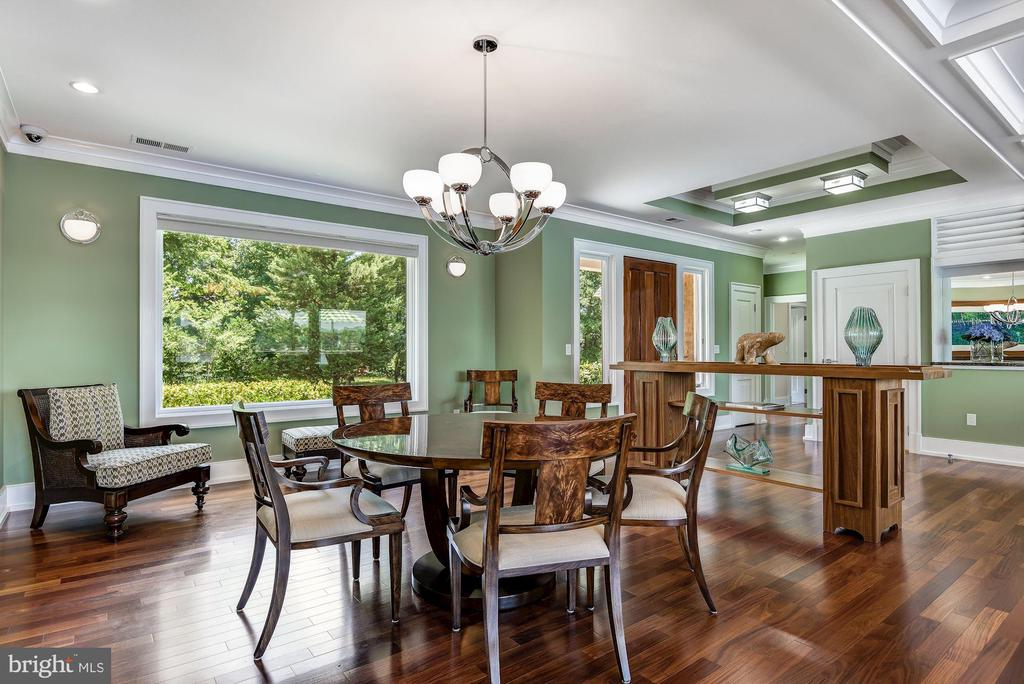 Light-filled Formal Dining - 2920 SOUTHWATER POINT DR, ANNAPOLIS