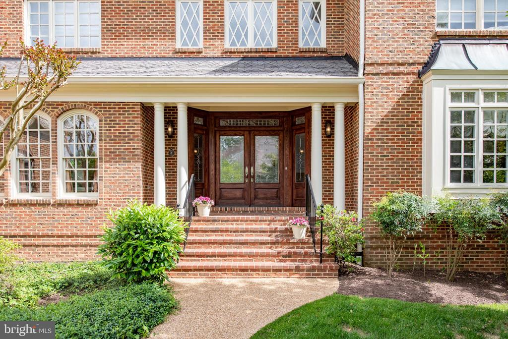 Brick Steps leading to front foyer - 3601 SURREY DR, ALEXANDRIA