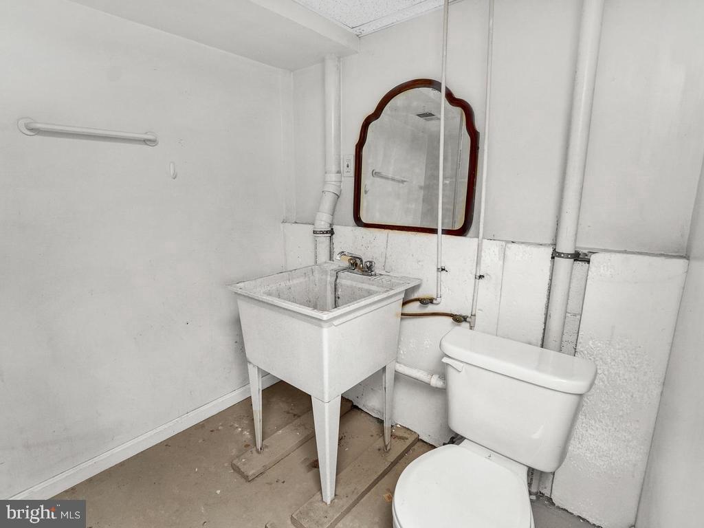 Use as a utility sink or convert! - 318 E D ST, BRUNSWICK